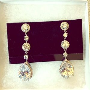 Stunning, new in box, Mariell bridal/prom earrings